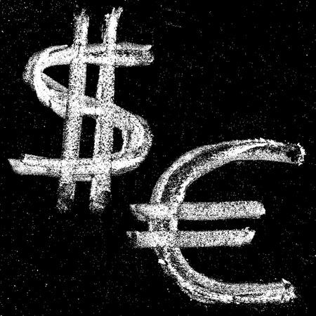 signo pesos: Dinero dibujados a mano señales en el dólar y el euro. Pizarra Elementos para su diseño.