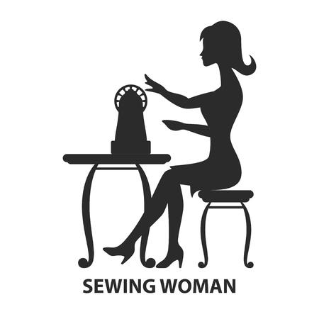 Schattenbild der Frau sitzend mit der Nähmaschine, die auf wite lokalisiert wird. Nähen Logo Konzept. Vektor-Illustration Standard-Bild - 89596716