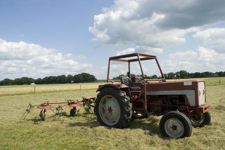 mechanics to turn around the hay photo
