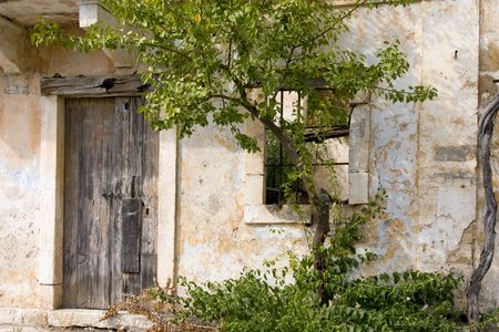 Old broken house after the earthquake in Greece Stock Photo - 3722621
