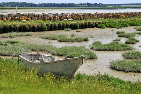 ebb: ebb odpływu z łodzi na ścianie