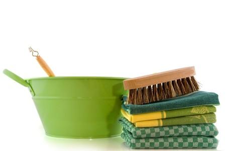 fregando: cosecha barril con cepillo de lavado para la limpieza Foto de archivo