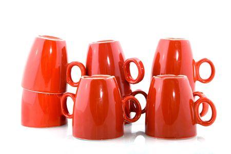 瀬戸物: 赤いコーヒー ・ マグを積み上げ