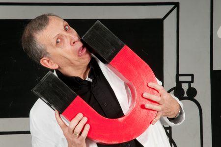 magnetismo: Profesor Chiflado es la prueba de magnetismo en el laboratorio de ciencias