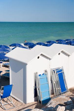 recanati: Beach huts and parasols for a good beach vacation