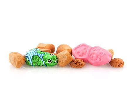 sinterklaas: Traditionellen niederl�ndischen Sinterklaas Candy mit Pepernoten hintrgrund isoliert wei�