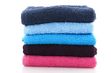 nuances: colorful folded towels in pink and blue