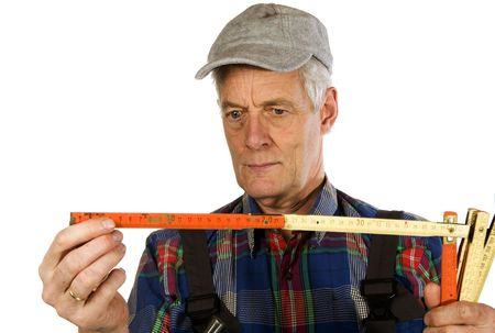 knowing: Measuring by an elderly man is knowing
