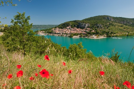 Lac de Saint Croix in the Provence with view on Bauduan Stock Photo