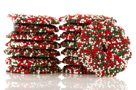 coronas de navidad: Coronas de Navidad de chocolate coloridos en verde y el rojo