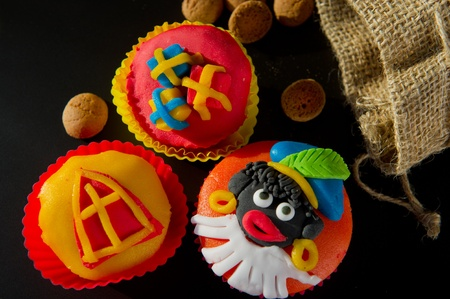 pepernoten: Colorful Dutch Sinterklaas cupcakes with pepernoten