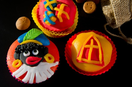 sinterklaas: Cupcakes with Dutch Sinterklaas symbols Stock Photo