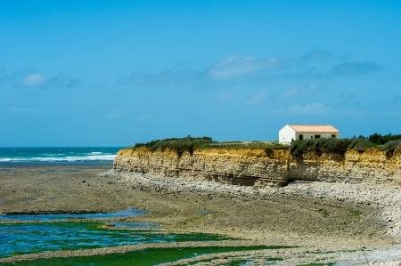 wzburzone morze: Szorstkie morze i wybrzeże na północ przylądka wyspa d'Oleron Zdjęcie Seryjne