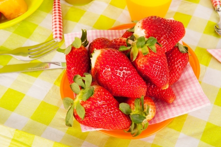 strawberies: Fresh strawberies on the table