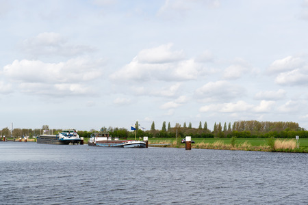 eem: River the Eem with boats in Dutch polder Arkemheen
