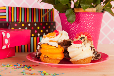 fancy cakes: Presents and festive fancy birthday cakes