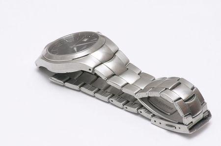 timepieces: Wristwatch with broken bracelet