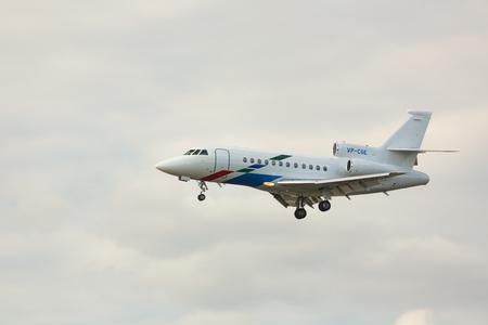 Dassault Falcon 900EX ready for landing