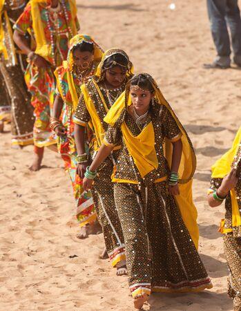 Indian girls in Pushkar 스톡 콘텐츠 - 131108939