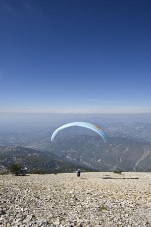paraglider: Ventoux paraglider launch