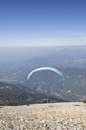 paraglider: Ventoux paraglider airborne