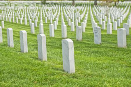 阿灵顿公墓,白色的墓碑