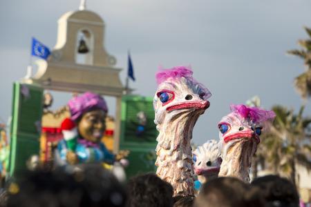 papier mache: carro del carnaval desfile piedra detalle papier mach� enfrent�