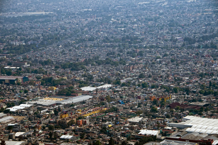 cenital: Ciudad de M�xico vista a�rea paisaje de avi�n