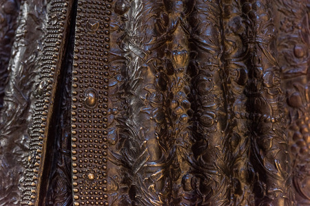copper texture: copper queen and king statue mantle texture background detail