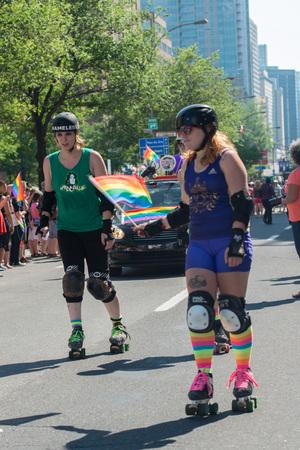 transexual: Montreal, Canad� - 18 de Agosto de 2013 - desfile del Orgullo Gay en la calle de la ciudad Editorial