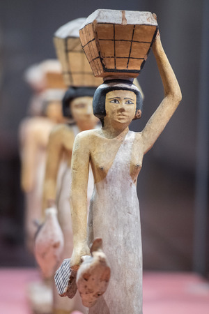 queen nefertiti: beautiful art statuette form ancient egypt Editorial