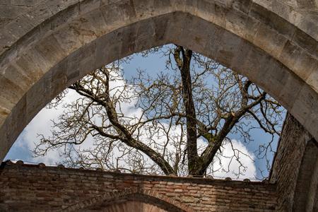 Église san galgano sans plafond sans toit en Toscane Italie