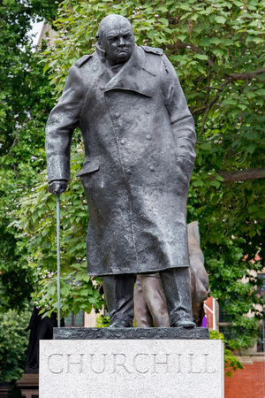 LONDON, ENGLAND - JULY 15 2017 - churchill statue in london town near  London Parliament detail close up one of town symbol and place to visit  Publikacyjne