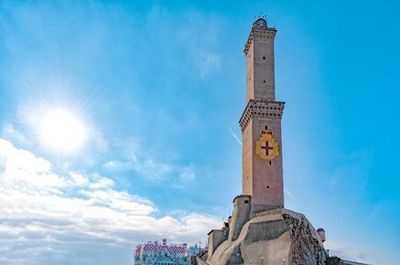 ランテルナ空の背景でジェノヴァ イタリア シンボルで lightouse 写真素材