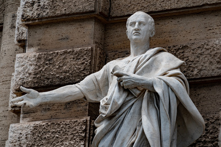 Cicero Cicerone statue in Rome Redactioneel