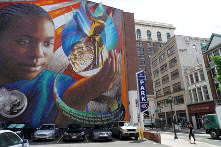 PHILADELPHIA, USA - MAY 23 2018 - Mural Arts Philadelphia is the nation's largest public art program 스톡 콘텐츠 - 105120956