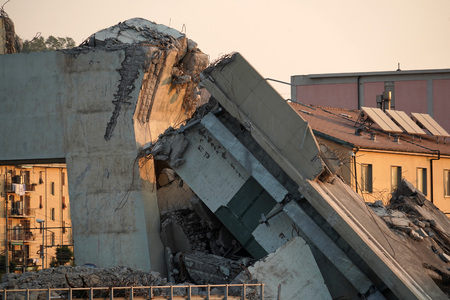 morandi collapsed bridge in genoa italy Banco de Imagens - 120686123