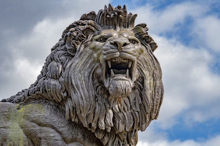 english rar lion copper statue Imagens