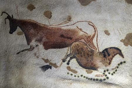 Detalle de petroglifos de estilo Lascaux cerrar