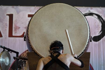 Japanse drummer in actie