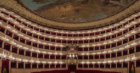 Saint Charles Royal Theater in Naples interior Фото со стока - 139381346
