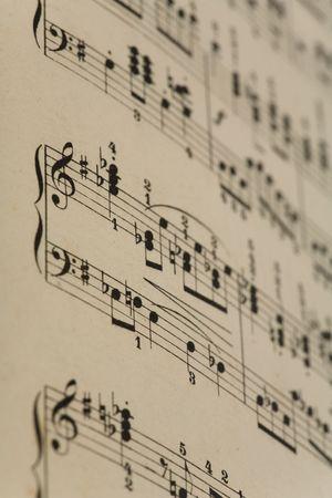 musical note:  Close up de viejas notas de m�sica