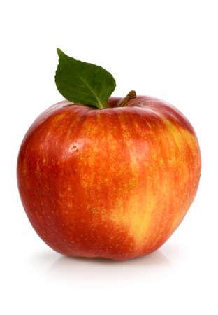 Rode appel met groen blad