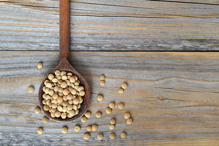 lenteja: granos de lentejas