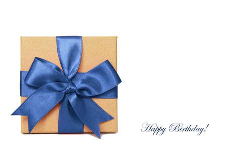 cadeau anniversaire: Cadeau d'anniversaire isol� sur fond blanc Banque d'images