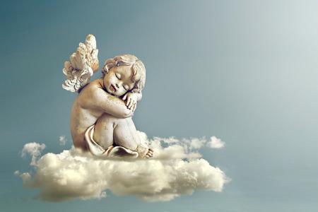 Engel slapen op de wolk