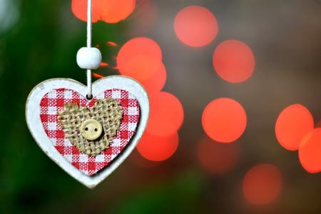 ahorcada: ornamentos de Navidad y luces de Navidad Foto de archivo