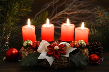 kanzashi: Christmas time: Four burning candles on Advent wreath