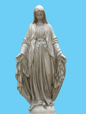 jungfrau maria: Eine Statue der Heiligen Maria isoliert gegen blauen Hintergrund Lizenzfreie Bilder