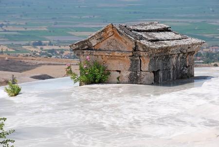 pamukkale: Ancient tomb in Pamukkale, Turkey